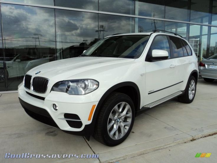 BMW X5 | 2011 BMW X5 xDrive 35i in Alpine White