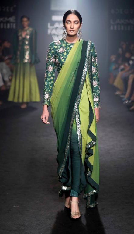 Divya Reddy - Jayanti Reddy khada dupatta- Lakme Fashion Week AW 17 - 18