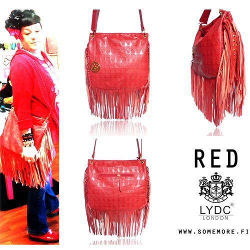 Aww..ihana kirkkaanpunainen hapsulaukku #lydc erittäin hyvälaatuinen #messengerbag http://somemore.fi/tuotteet.html?id=5/