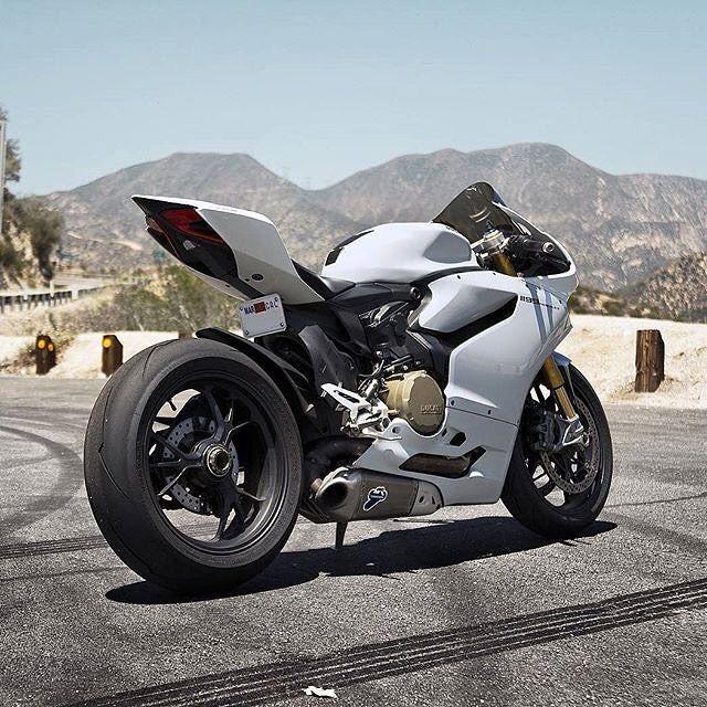 Follow us if you love Motorcycles! @drive.motorcycle // driveslate.com --------------------------------------------------- Credit to Photographers and Owners --------------------------------------------------- #motorcycle #motorbike #motor #motorcycles #bike #bikes #bikelife #ride #rideordie #ducati #yamaha #honda #sportbike #biker #instabike #suzuki #streetbike #kawasaki #bikersofinstagram #bikeporn #moto #ktm #twowheels #bikeswithoutlimits #sportbikelife #bmw #instamoto #motogp #vroom…
