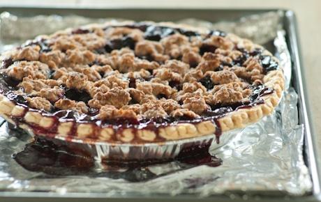 Cherry Blueberry Pie   WholeFoodsMarket.comCrumble Tops Pies, Blueberries Crumble Tops, Food Marketing, Blueberries Food, Crumbletop Pies, Whole Food, Cherries Blueberries, Blueberries Pies, Blueberries Crumbletop
