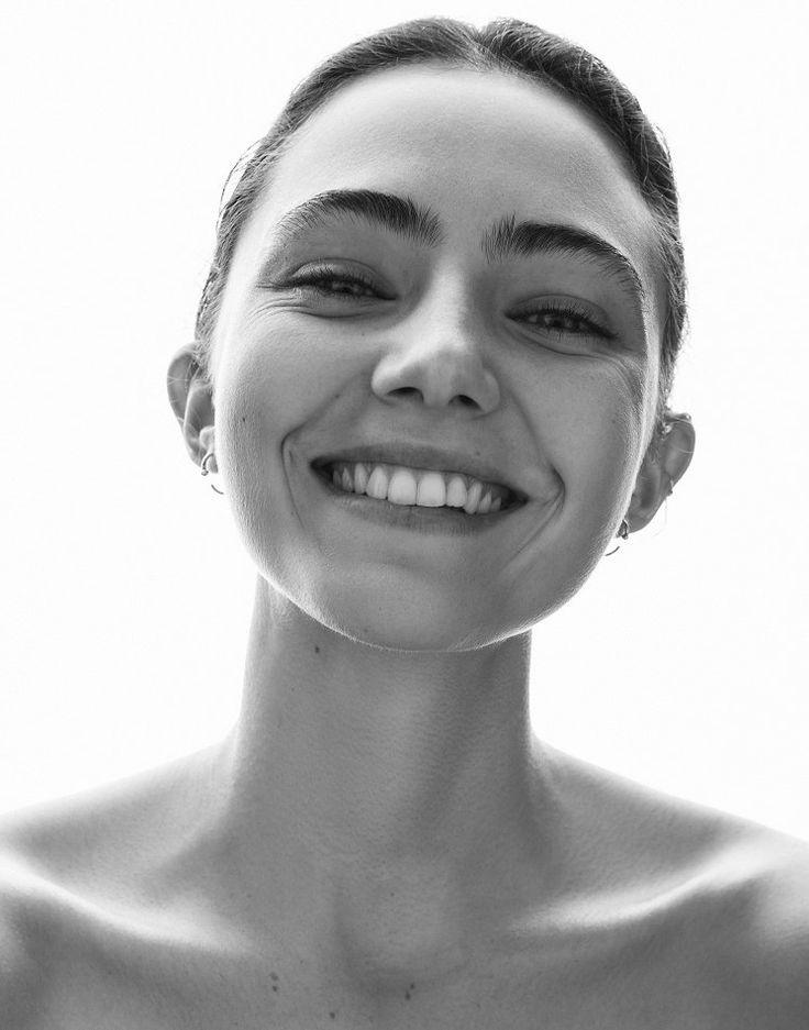 amelia zadro  represented by Wilhelmina International Inc.