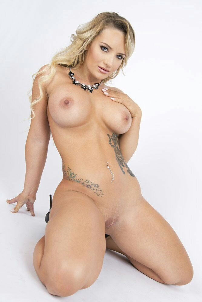 Tattooed blonde chick with perky tits loves to get fucked in her wet pussy 8