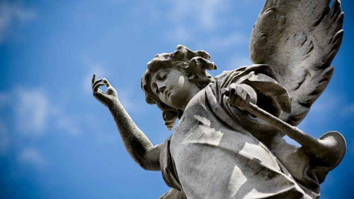 Οι φυλακές άγγελοι υπάρχουν σε ένα ανώτερο πνευματικό επίπεδο από εμάς και δυσκολεύονται να εκδηλωθούν φυσικά στον κόσμο μας. Αντί αυτού χρησιμοποιούν