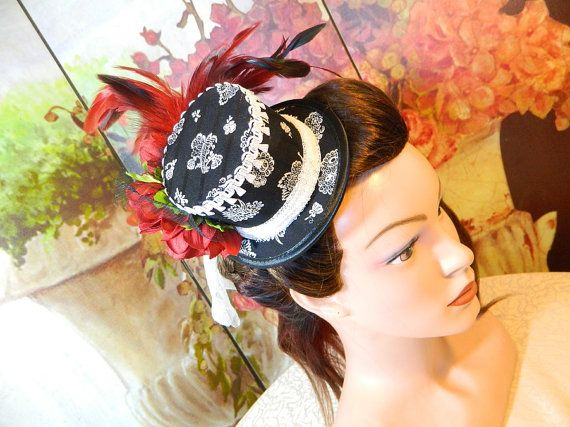 Minihat bw Flowers Gothic Burlesque clubbing Hat Millinery Tophat romantic victorian Steampunk Larping Wedding