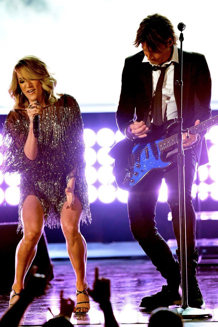 "Carrie Underwood and Keith Urban Get the ACMs Fired Up With ""The Fighter"""
