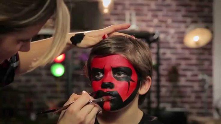 [TUTO VIDÉO CARNAVAL] Si vous avez des fans des Star Wars à la maison, ce tuto vidéo va vous intéresser : on vous explique comment reproduire le maquillage de Dark Maul ! Votre petit Sith va faire de l'effet dans la parade du carnaval ;-)