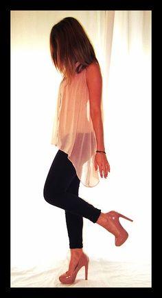 Skinnies or leggings with sheer tunic & heels #nightout