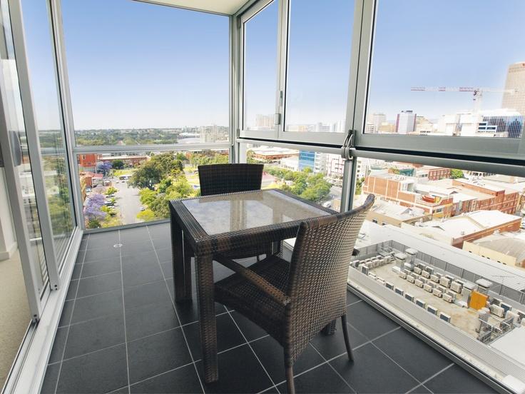 iStay Precinct - 1 bed sky view #1402 balcony