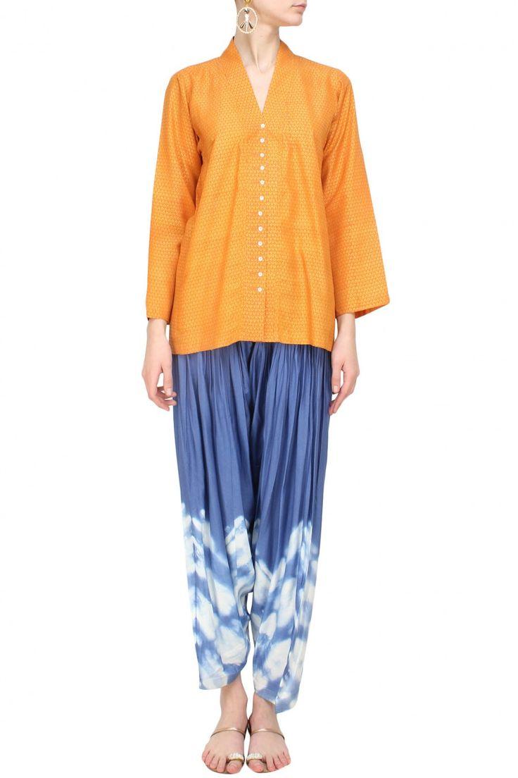#perniaspopupshop #krishnamehta #casual #cool #sillouettes #clothing #shopnow #happyshopping
