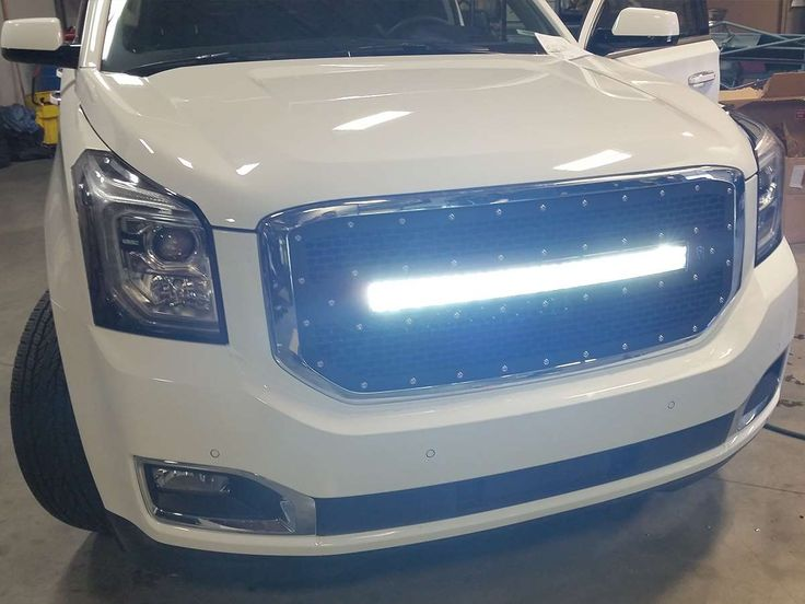 "2015-2016 GMC Yukon Grille with 30"" RDS LED Light Bar"