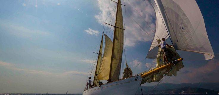 Sono gli yacht Moonbeam IV (Big Boat), Chinook (Yacht d'Epoca), Il Moro di Venezia I (Yacht Classici) e Kookaburra III (Spirit of Tradition) i vincitori degli orologi Panerai in palio alla diciannovesima edizione delle Vele d'Epoca di Imperia, conclusasi l'11 settembre a Imperia...