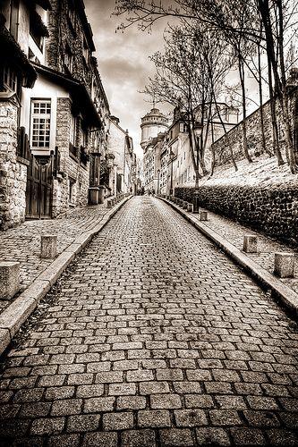 Rue cortot - Montmartre - Paris