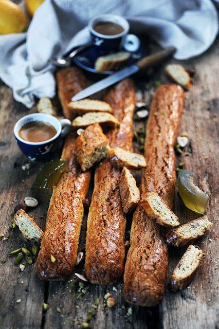 Dorian cuisine.com Mais pourquoi est-ce que je vous raconte ça... : Canestrelli aux noisettes, pistaches et amandes et cédrat confit! Et si on intéressait enfin à la cuisine Corse...