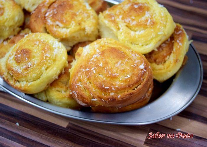 Fatias Húngaras: Fatia húngara é um pãozinho doce com recheio de coco e bem molhadinho. É uma delícia. Nesta receita não vai nada de leite condensado e mesmo ...