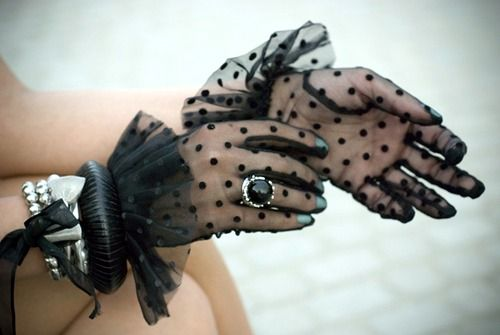 :) I have these gloves in cream. My mother gave them to me.They are so pretty.