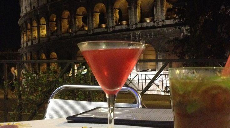 Laten we het weekend beginnen met een cocktail! In Rome!    #reizen #stedentrip #cocktail #weekend #vakantie