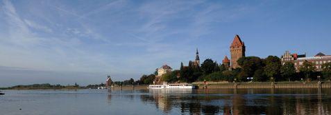 Tangermünde thront über der Elbe und ist eine der schönsten Kleinstädte. Foto: IMG/Juray Liptak