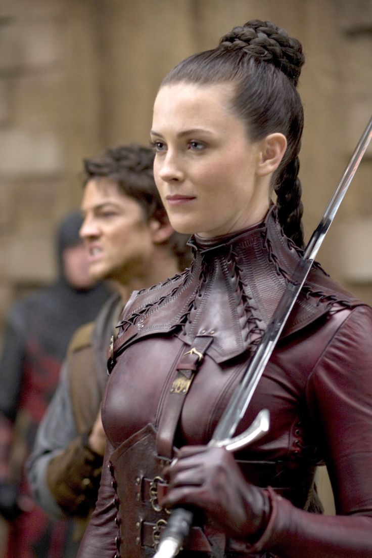 female armor: leather suit from Legend of the Seeker (S1+2 2008-2010) for Cara's Mord'Sith (deceivingly worn by Kahlan Amnell, actress Bridget Regan)