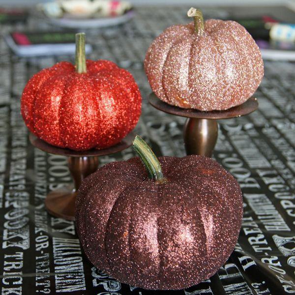 Ahhhh! Glitteratzzi pumpkins. I'm so pimping my pumpkins out this year!   Glittered Pumpkins {Tutorial}