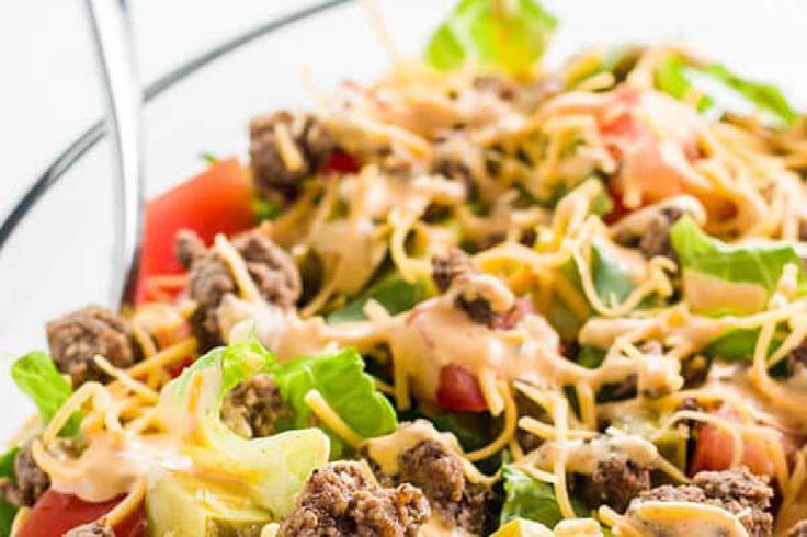 Салат с сыром и говяжьим фаршем в стиле Биг Мак