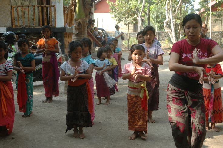 Dance Class for kids on Nusa Penida Island