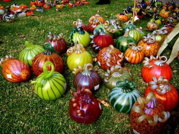 ways to display halloween pumpkins outside google search