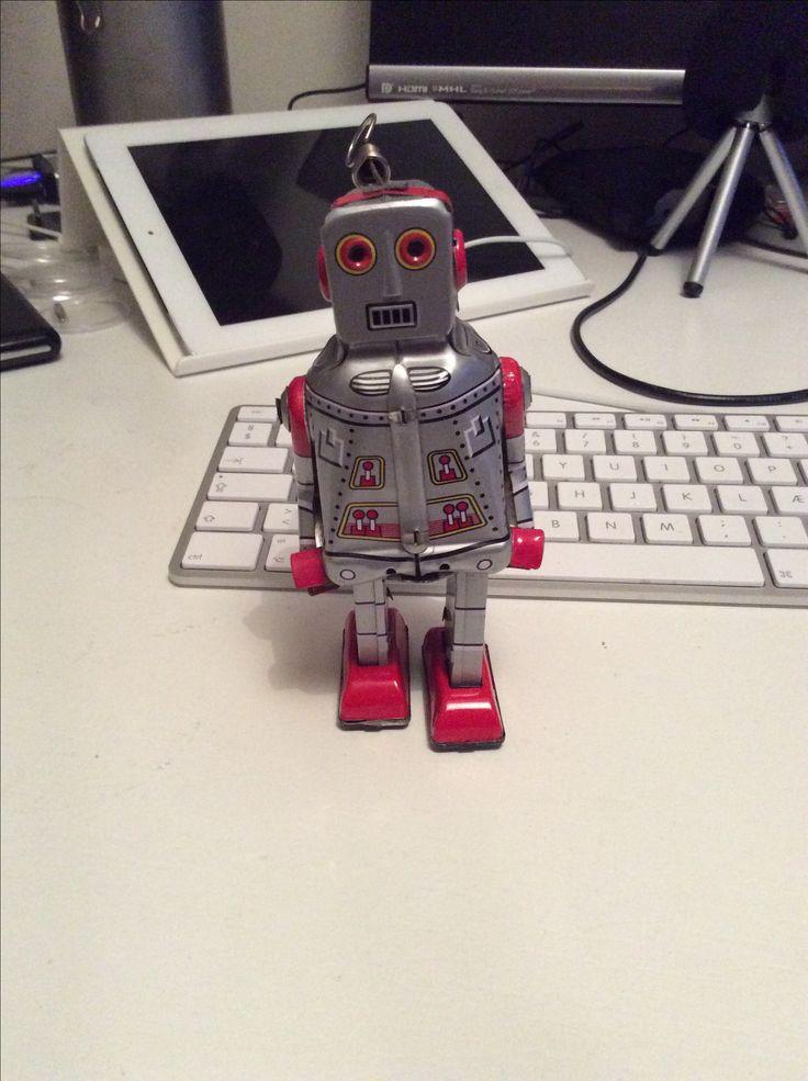 Coleman Robot er vild med jazz og saxofoner Han er opkaldt efter Coleman Hawkins.