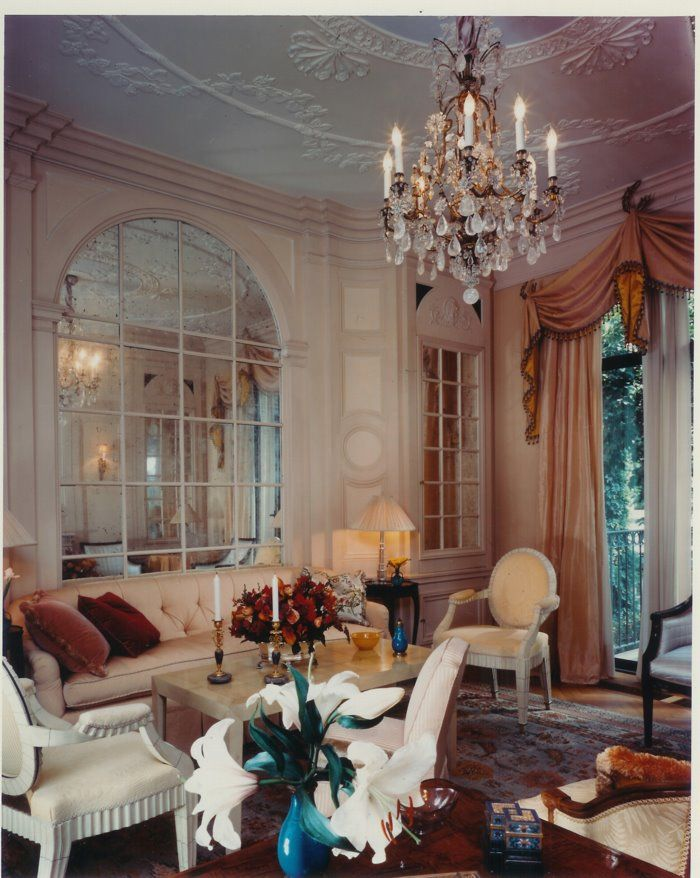 Elsie de Wolfe townhouse living room by Ron Bricke