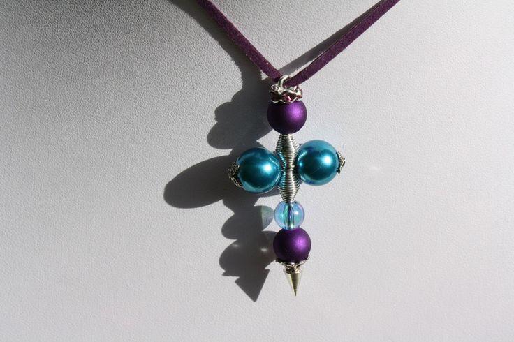 Kreuzanhänger - Kreuz Anhänger silber türkis lila - ein Designerstück von trixies-zauberhafte-Welten bei DaWanda