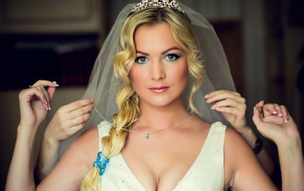 Нежный свадебный макияж для голубоглазых блондинок ::: onelady.ru ::: #makeup #eyes #eyemakeup
