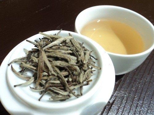 Weißer Tee gegen Flüssigkeitsretention