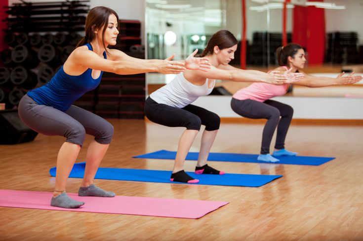 Agachamento trabalha músculos do abdômen e dos membros inferiores. Foto: iStock, Getty Images