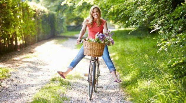 Benefícios de pedalar: 4 bons motivos para andar de bicicleta - Bolsa de Mulher