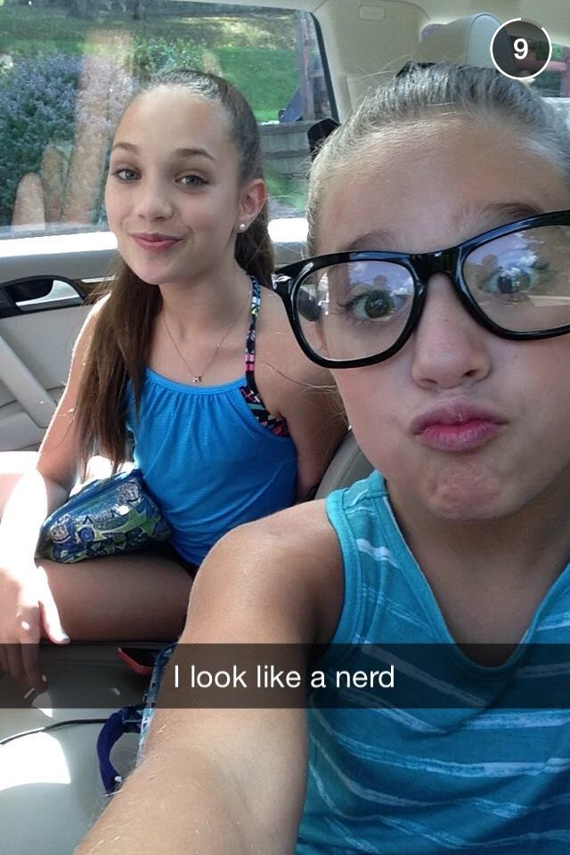 does someone has Kenzie's new snapchat?? If you do, please message me! I can give an other girl snapchat back..!
