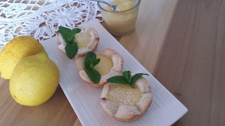Crostatine con crema lemon curd