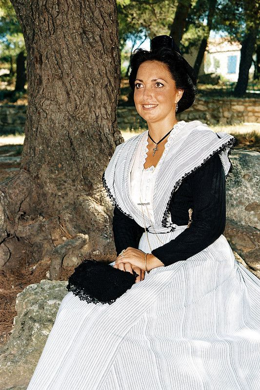Annick Ripert 13ème Reine d'Arles (1987-1990)