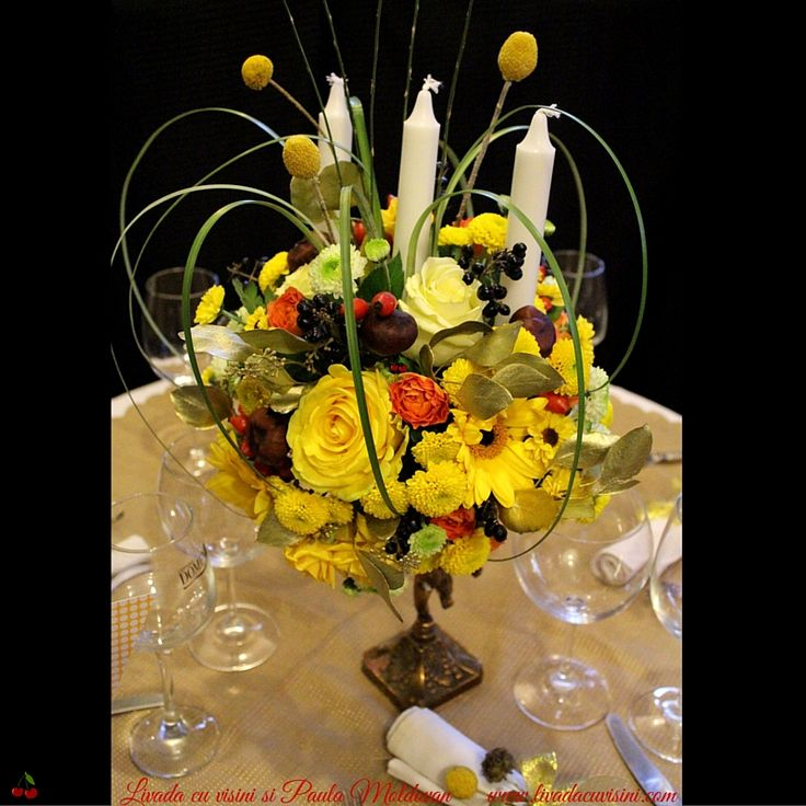 #madewithjoy #paulamoldovan #livadacuvisini #autumn #ilovecraspedia #golden #touch #table #decor #wedding #centerpiece #flowers #arrangements