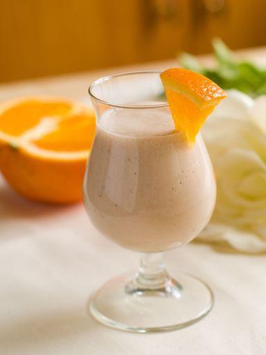 Recette de Smoothie orange, banane, pomme et yaourt