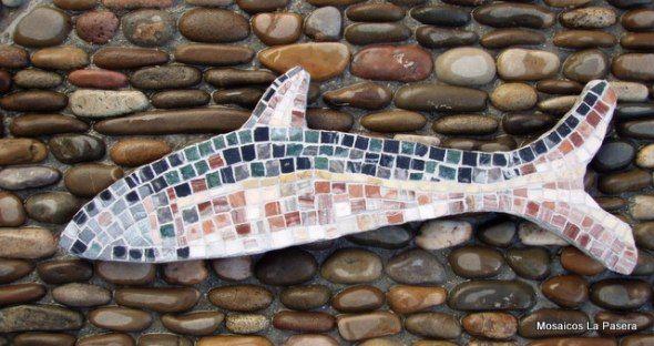 En un mosaico teselado, Opus Tessellatum, el termino sustrato hace referencia a la base sobre la cual el mosaico esta consolidado; es decir la base sobre la cual las teselas han sido pegadas.