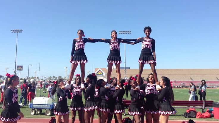 Lawndale JV cheerleaders Pyramid sequence
