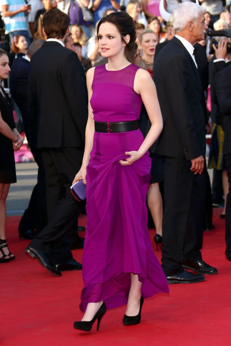 emilia-schüle-at-how-to-train-your-dragon-2-premiere-during-the-67th-annual-cannes-film-festival-_14.jpg (1200×1799)