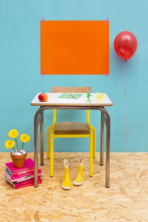 Z comme Zéro, stylisme photo, la rentrée des classes en bleu et orange, bureau vintage par Les Trafiquantes