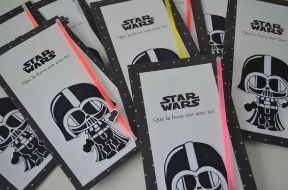 Para quem é fã do vilão Darth Vader, o herói Luke e a princesa Leia, esse é o tema ideal para se jogar numa decoração cheia de atitude e boas ideias.