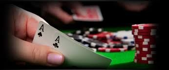 Online casino players are passionate regarding their favorite casino games, be it offline or online. In either case, prior spending your precious time, it is advised to go through the online reviews and get benefitted out of it. Though there are plenty of poker qiu terbaik sites available, it's suggested not to gamble without going through the casino reviews.