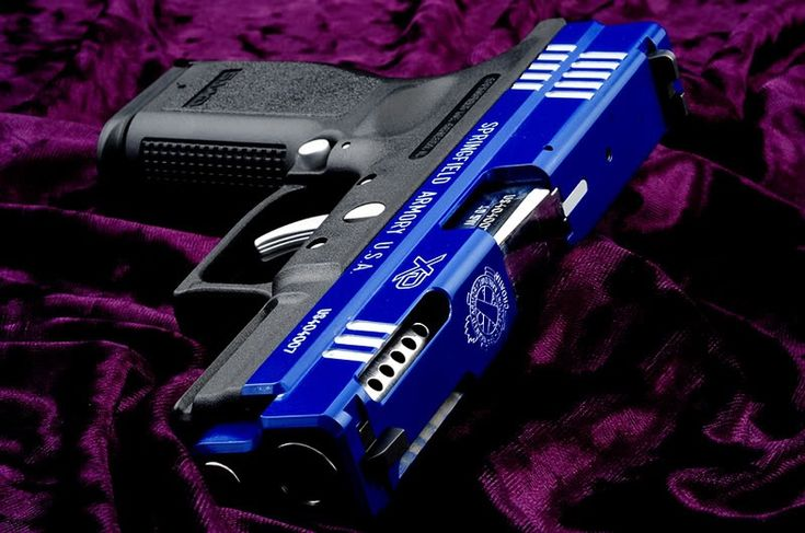 dead sexy, but I'm a classic black/blued (not Blue as above) kind of guy.  If it's flashy, it flashes....I prefer NOT to stand out when wielding a firearm