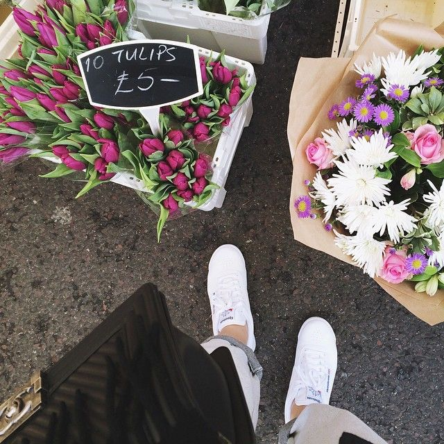 Saturdays like these  Amazing weather, good friends, flowers and Broadway Market! It's priceless. #friends#weekend#Saturday#saturdays#chanel#chanelboy#vsco#flowers#vscocam#picoftheday#photooftheday#london#instagood#broadwaymarket #Padgram