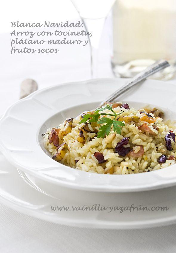 Arroz con tocineta plátano maduro y frutos secos/ Bacon, sweet plantains and nuts saffron rice