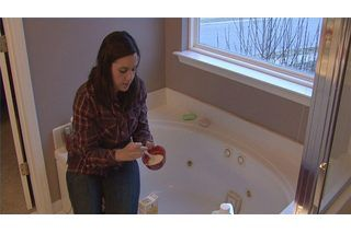 How to Clean Rust Stains From a Bathtub (5 Steps) | eHow
