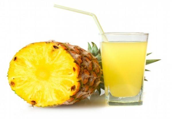 Sucul de ananas proaspat dizolva mucusul de 5 ori mai repede decat siropurile de tuse. Vezi cum poti face acasa un sirop de ananas